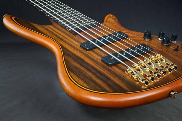 ibanez ibanez premium 6 string bass vint nat flat long mcquade musical instruments. Black Bedroom Furniture Sets. Home Design Ideas