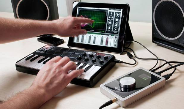 apogee duet for ipad 24 192 2 in 4 out usb 2 0 audio interface long mcquade musical. Black Bedroom Furniture Sets. Home Design Ideas