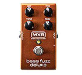 M84 - Bass Fuzz Deluxe Pedal