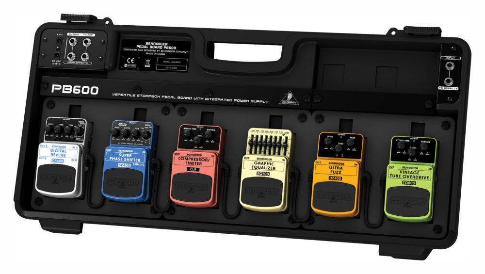 Behringer - Universal Pedal Board w/Power Supply