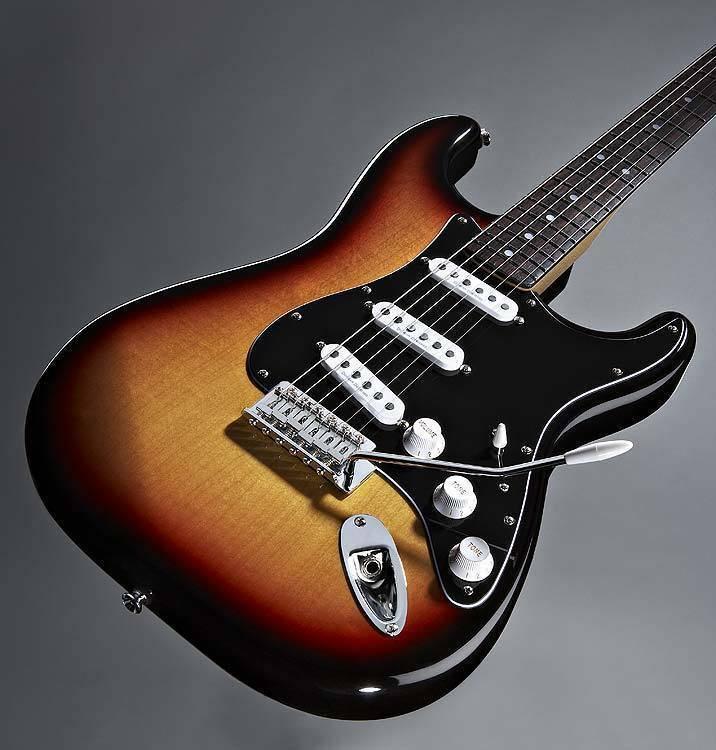 Squier Classic Vibe 60 S Strat 3 Tone Sunburst Long