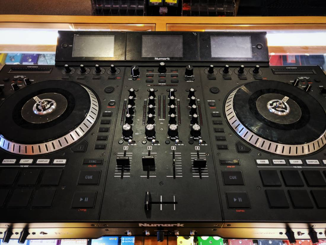 NS7III DJ Controller for Serato DJ