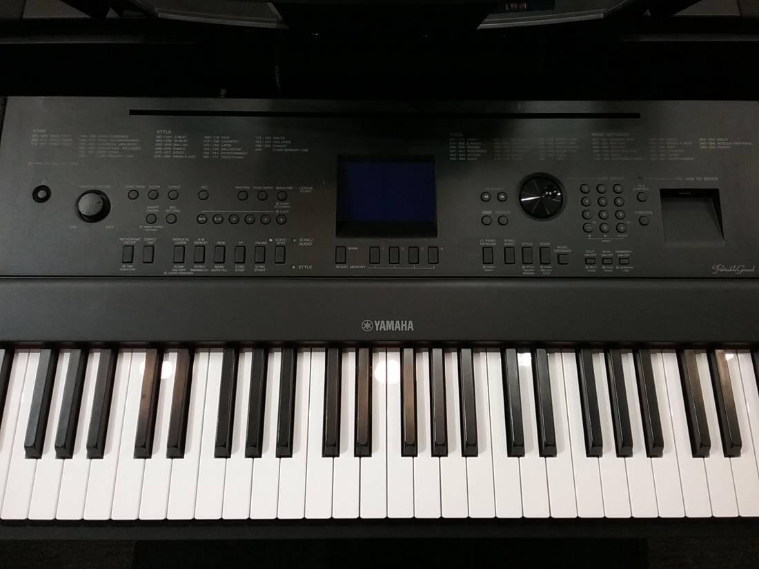 Yamaha dgx 660 88 key electric piano black long for Yamaha 660 keyboard