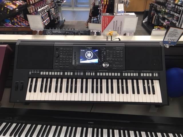 yamaha psr s950 arranger workstation keyboard long mcquade musical instruments. Black Bedroom Furniture Sets. Home Design Ideas