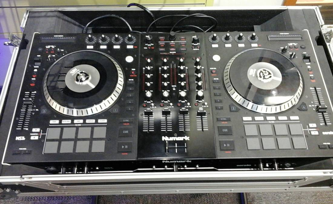 hook up turntables serato Ddj-sb performance dj controller the ddj-sb uses the serato dj intro software and crossfader beyond simply fading the volume on one channel up and the.