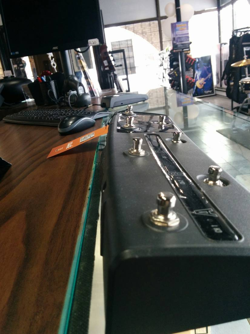hughes kettner fsm432 mkiii footswitch long mcquade musical instruments. Black Bedroom Furniture Sets. Home Design Ideas