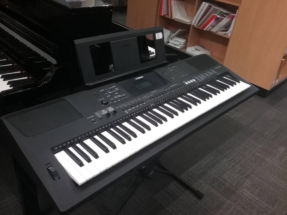 yamaha psr ew400 76 key portable keyboard long mcquade. Black Bedroom Furniture Sets. Home Design Ideas