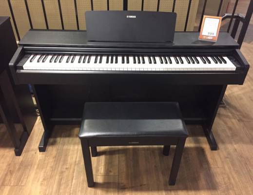 (USED) Yamaha Arius YDP-143 Black Digital Piano w/Bench