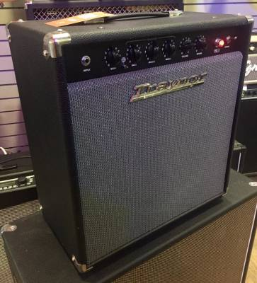 Store Special Product - (USED) Traynor YGL1 GuitarMate 15 Watt All-Tube Guitar Combo Amp
