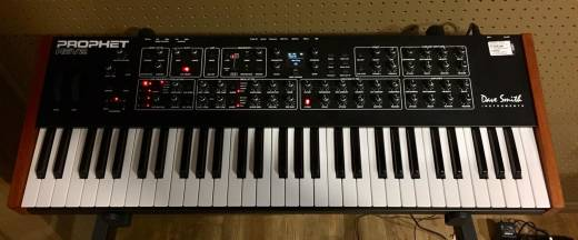 (USED) Dave Smith Instruments Prophet Rev2-08 8-Voice Analogue Polyphonic Analog Synthesizer