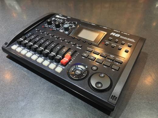 ZOOM 8-Track Digital Recorder/Interface/Controller/Sampler
