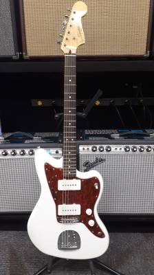 Vintage Modified Jazzmaster, Laurel Fingerboard - Olympic White