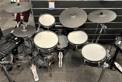 Store Special Product - ROLAND DYNAMIC V DRUMS W/KD-140BC AND STAND