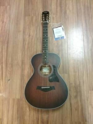 Taylor Grand Concert 12-Fret Acoustic Guitar w/ES2
