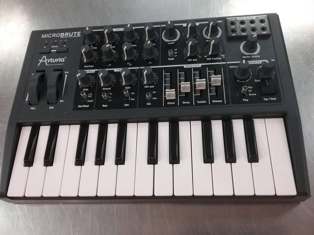 Arturia MicroBrute Monophonic Analog 25 Note Synthesizer