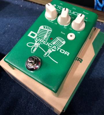 Store Special Product - Duplicator Vocal Effects Pedal w/Doubling, Reverb and Pitch Correction