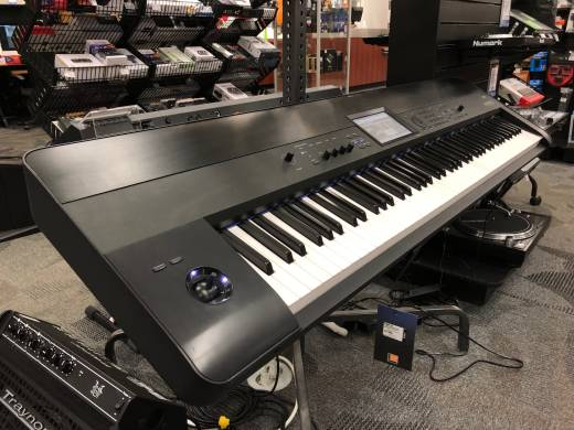 Korg Krome-88 Workstation/Synth