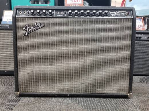 Store Special Product - Fender