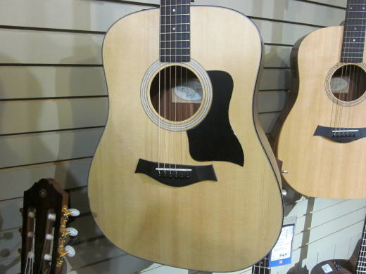 Taylor 110e Dreadnought Walnut/Spruce Acoustic Electric Guitar