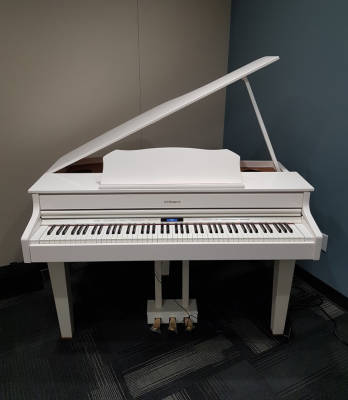Roland GP-607 Digital Piano