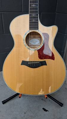 Taylor (USA) 614CE - Grand Auditorium Spruce/Maple Acoustic Electric