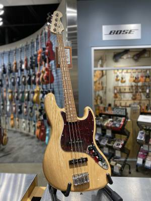Special Edition Ash Deluxe Jazz Bass with Pau Ferro Fingerboard - Natural