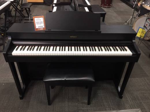 ROLAND DIG. PIANO - BLACK W/STAND & BENCH