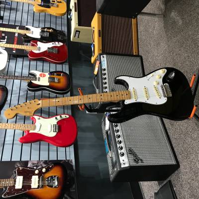 Jimi Hendrix Stratocaster, Maple Fingerboard - Black