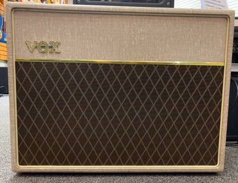 VOX V212HWX - 2x12 Extension Cab