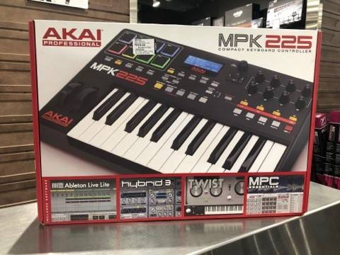MPK225 25-Key Semi-weighted Keyboard Controller