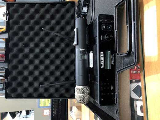XD-V75 Digital Wireless 14-Channel Handheld Mic System