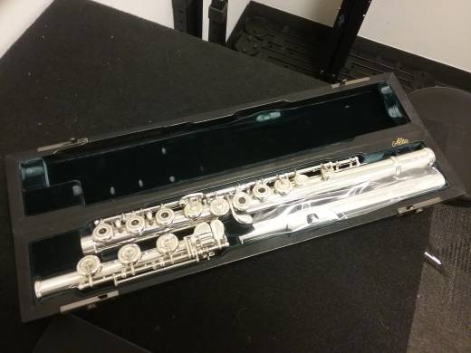 BAND - Altus A807 Silver Flute with Custom Britannia Silver 'Z' Cut Head Joint