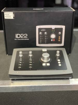 Store Special Product - Audient - ID22