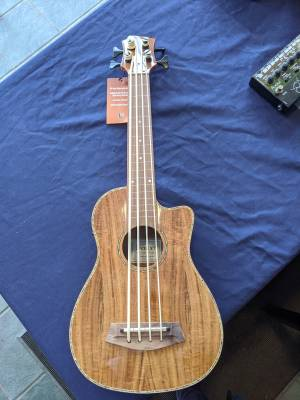 Store Special Product - Acacia Bass Ukulele with Gig Bag