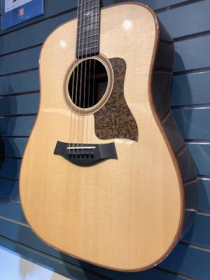 Taylor 710e Dreadnought Lutz Spruce/Rosewood Acoustic/Electric Guitar with Case