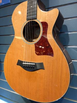 Taylor 512ce 12-Fret Grand Concert Acoustic-Electric w/Cutaway