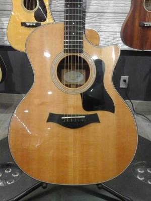 Store Special Product - Grand Auditorium Sitka/Sapele Acoustic/Electric Guitar w/Case