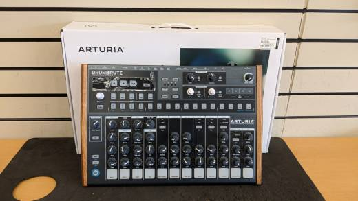 ARTURIA DRUMBRUTE ANALOG DRUM SYNTH