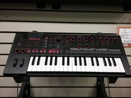JD-XI Integrated Analog/Digital Crossover Synthesizer