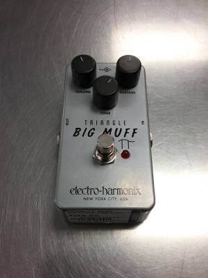 Triangle Big Muff Pi Distortion/Sustainer Pedal