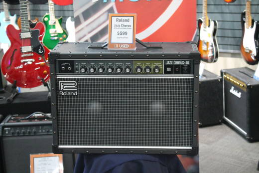 Store Special Product - ROLAND JAZZ CHORUS AMP