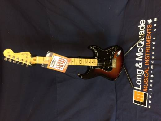 Store Special Product - FENDER AM PRO STRAT MN 3TSB W/CS