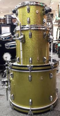 BLACK FRIDAY DEAL! - Ludwig Classic Maple Downbeat