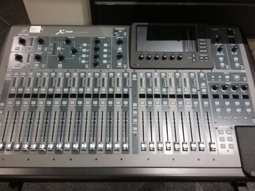 Store Special Product - 40 Input 25 BUS Digital Mixing Console