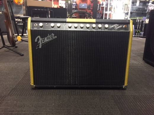 Fender Supersonic 22 Gold/Black Edition