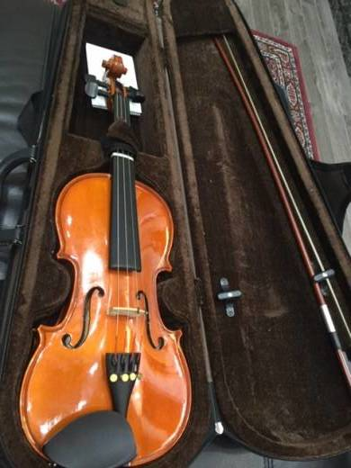 STENTOR STANDARD VIOLIN OUTFIT 1/2