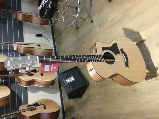 Taylor 114ce Grand Auditorium Walnut/Spruce Acoustic Electric Guitar w/Gigbag