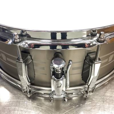 "Store Special Product - LUDWIG 14X5.5"" STAINLESS STEEL SNARE DRUM"