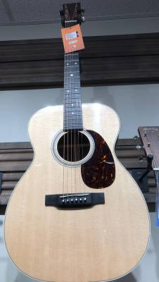 Martin 00-16e Grand Concert Spruce/Granadillo Acoustic/Electric Guitar