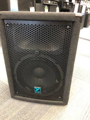 Store Special Product - Yorkville YX Series Passive Loudspeaker - 10 inch Woofer - 150 Watts